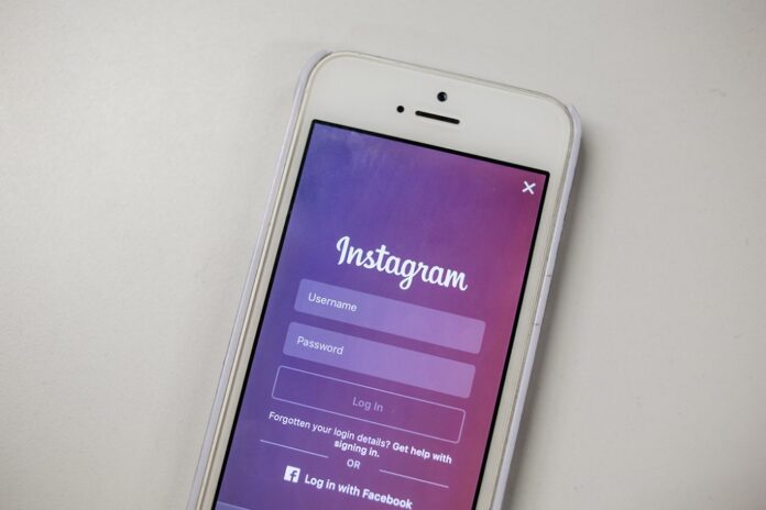 messaggi offensivi instagram profili