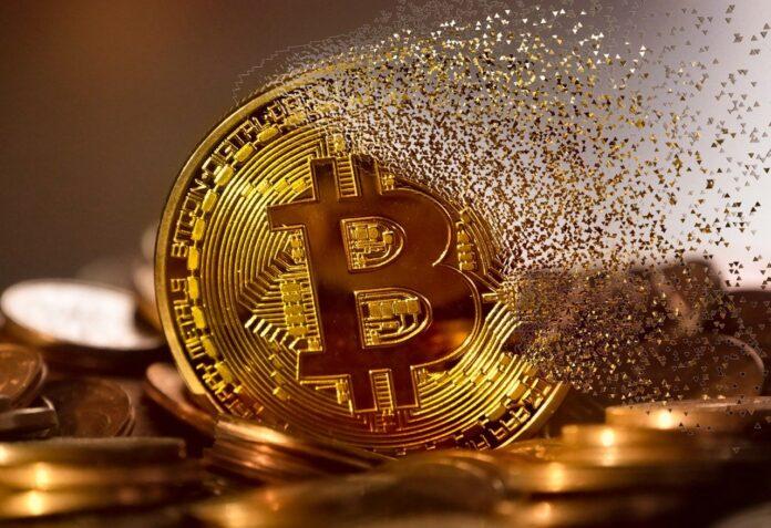 Il Bitcoin crolla dopo un tweet di Elon Musk